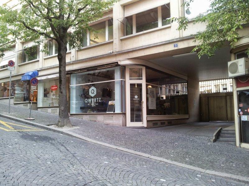 Bitcoin Atm In Lausanne Qwertz Caf 233