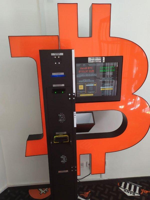 Ora nel mondo ci sono ATM per Bitcoin