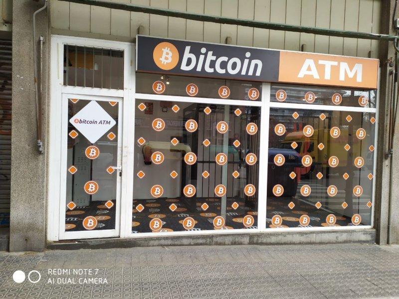 Mérföldkő: átlépte a 10 ezret a Bitcoin-ATM-ek száma • CoinColors